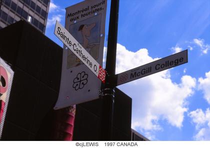 モントリオールの道路標識.jpg